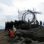 Sprung, sculpture, public